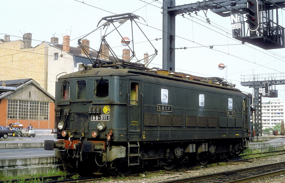 Locomotives BB 300 1e et 2e séries - SNCB 29/101